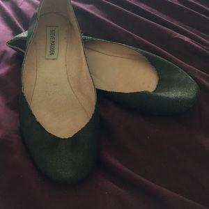Size 9 black flats Steve Madden